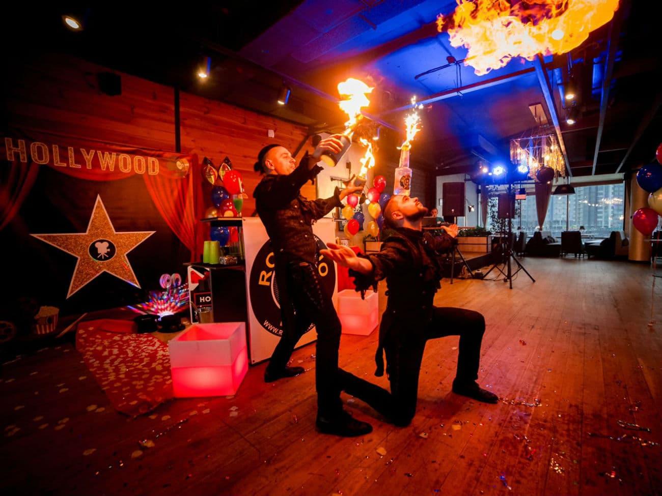 Бармен шоу - горящие коктейли