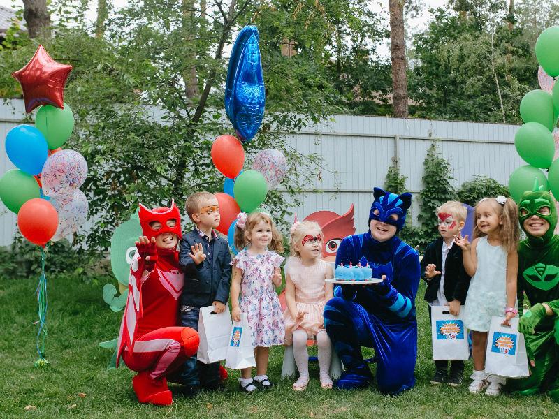 Отметить день рождения ребенка в стиле мультфильма «Герои в масках» - 08.2018