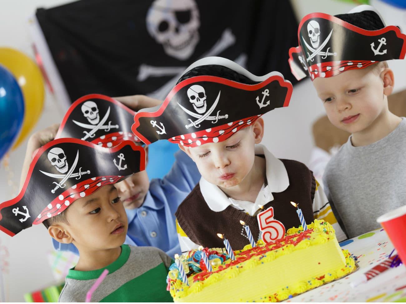 10 интересных шагов, как отпраздновать день рождения мальчика