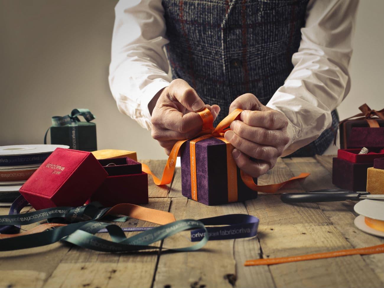 Как упаковывать подарки