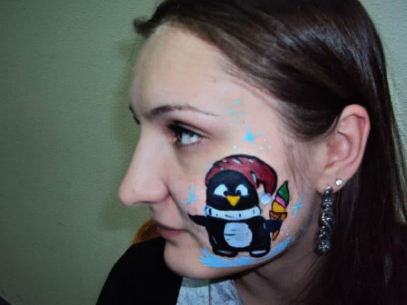 Аквагрим на лице пингвинчик