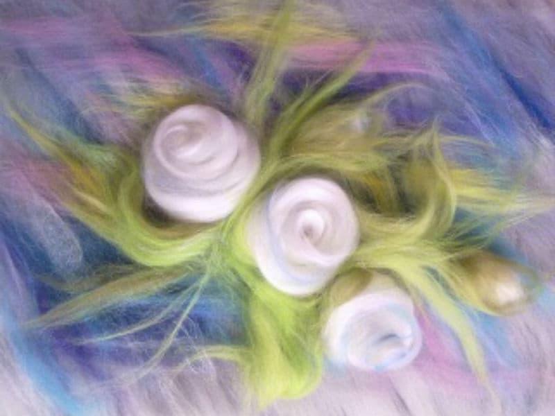 Картины из шерсти цветы